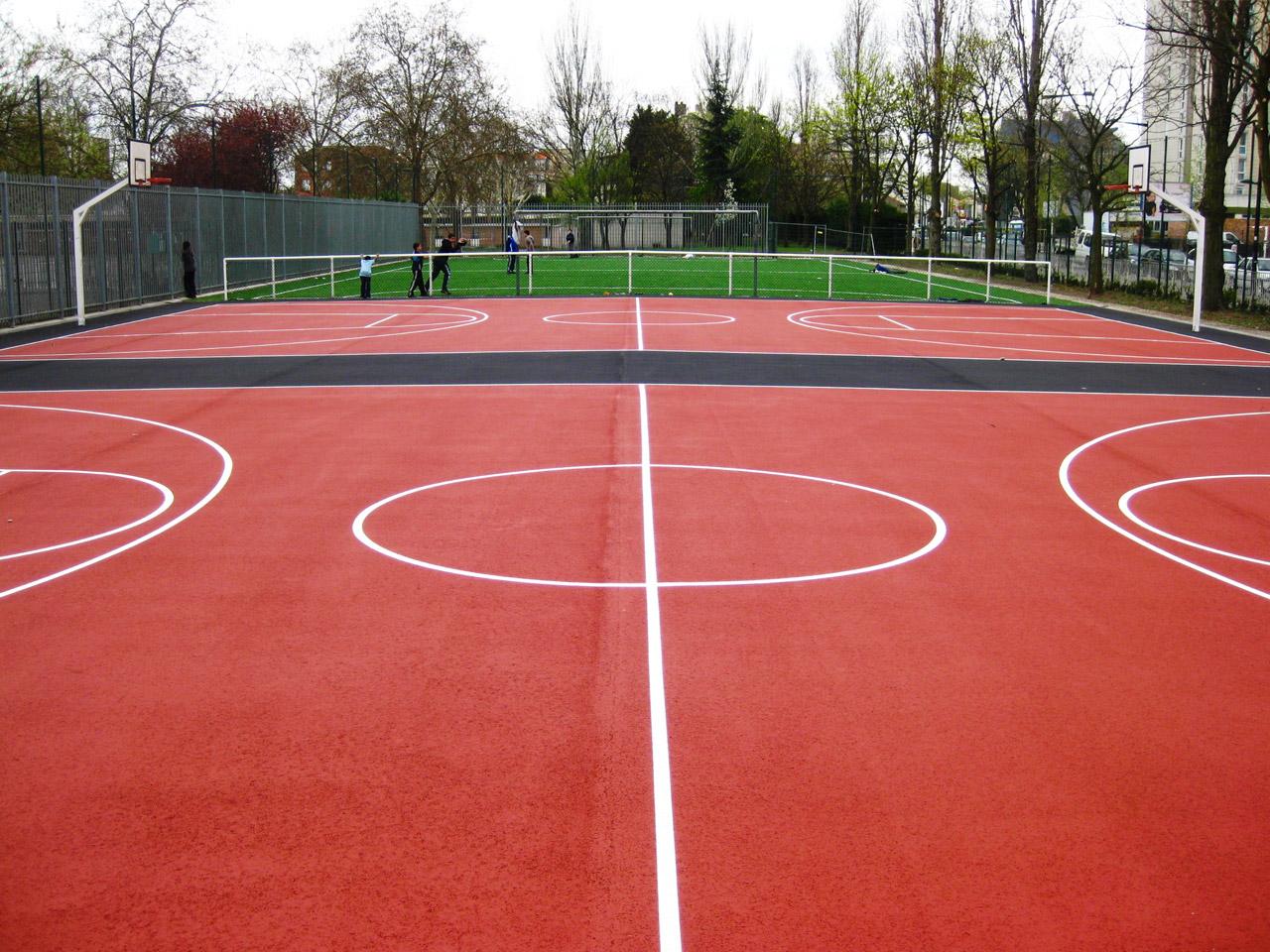 Coloration d'un plateau sportif en enrobe – Aubervilliers 93